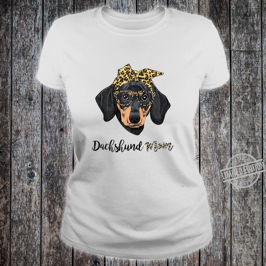 Womens Dachshund Mom Leopard Print Glasses Bandana Mothers day Shirt ladies tee